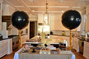balloons dessert table.jpg